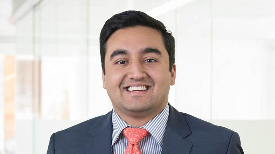 Alumnus Sid Saravat '15